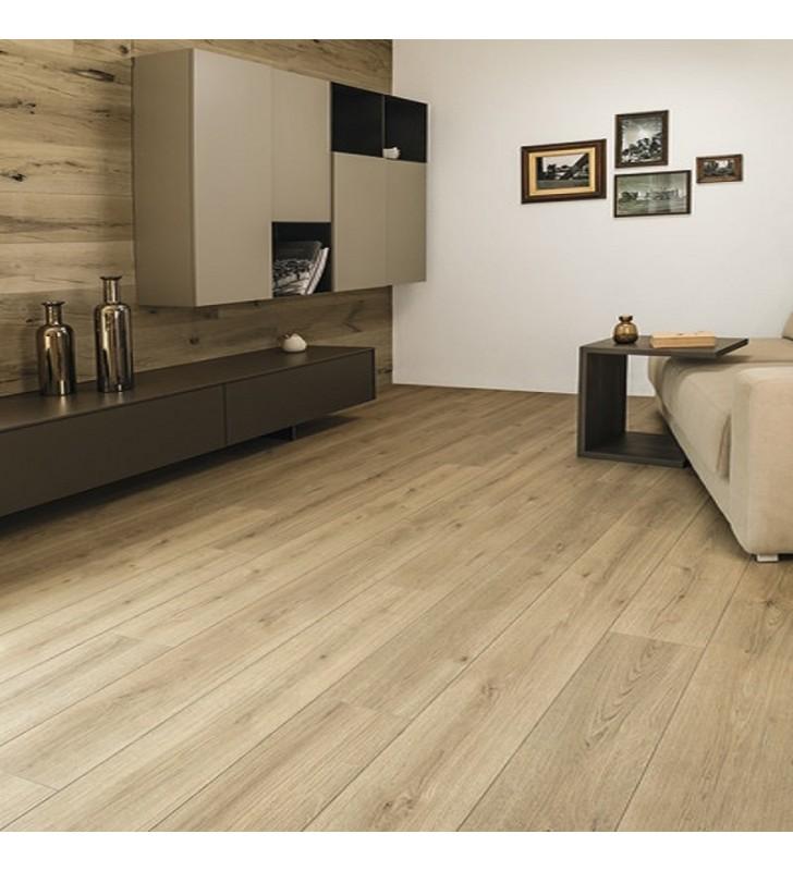 Ламинат Natural Touch Standard Plank Oak EVOKE TREND